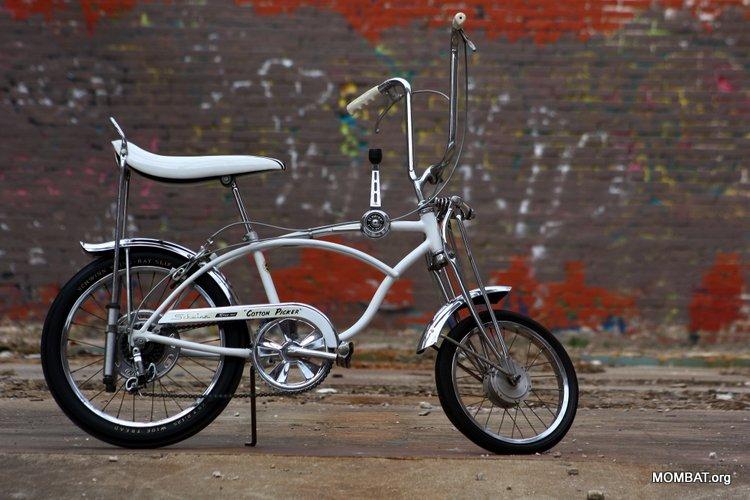 MOMBAT: Stingray Bike Museum